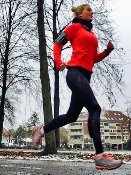 Läuferin Claudia im Stadtpark