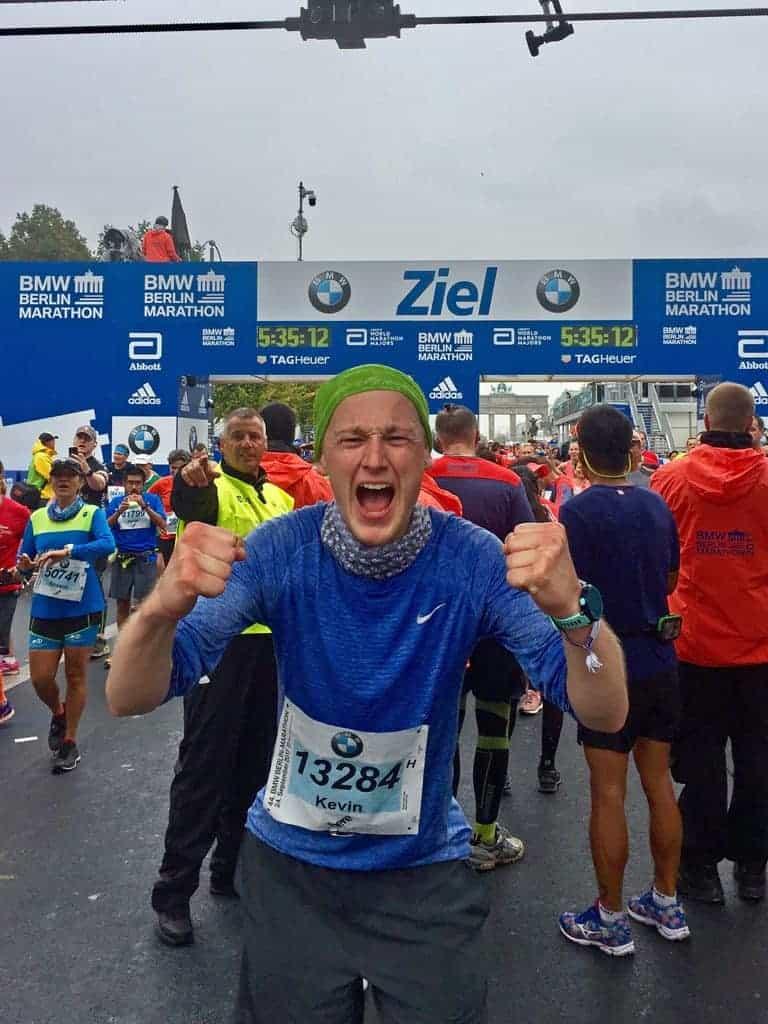 Läufer Kevin im Ziel beim Berlin Marathon