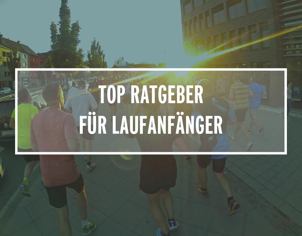 Läufer joggen der untergehenden Sonne entgegen
